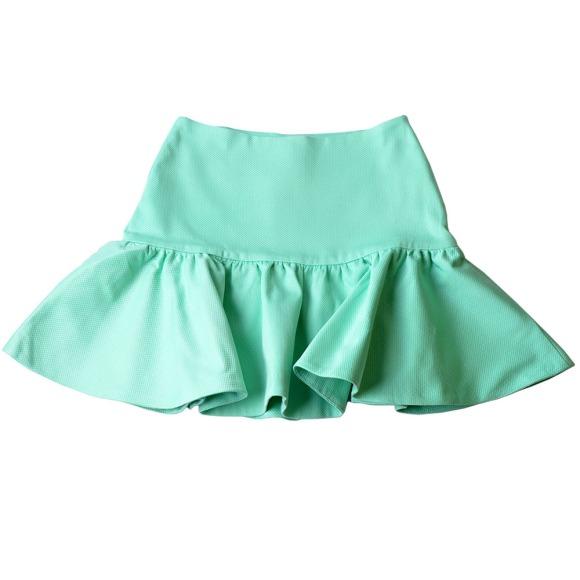 Essa saia é da coleção de inverno da Tritt, mas já peguei a minha azul marinho!
