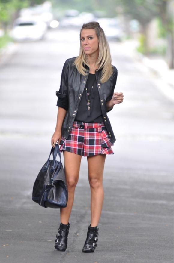 Talentosa: shorts e camisa de sua marca ByNV