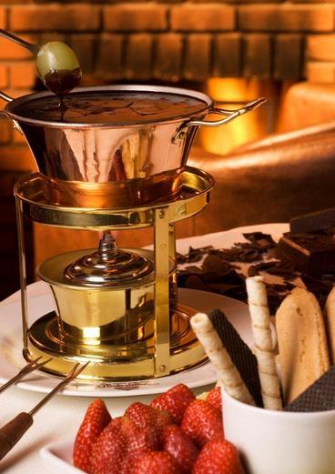 Eles possuem uma infinidade de opções de fondue doce: chocolate Lindt, Nutella, doce de leite...